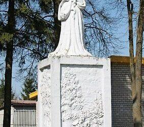 Birutės paminklas
