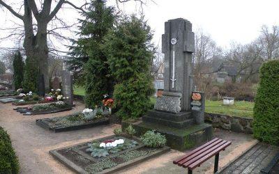 A. Vainausko kapas2