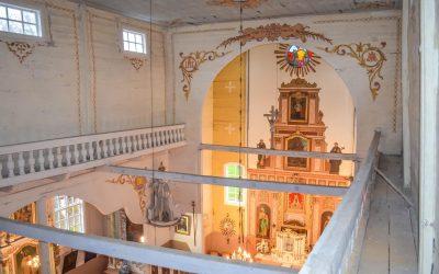 Bažnyčios vidaus fragmentai